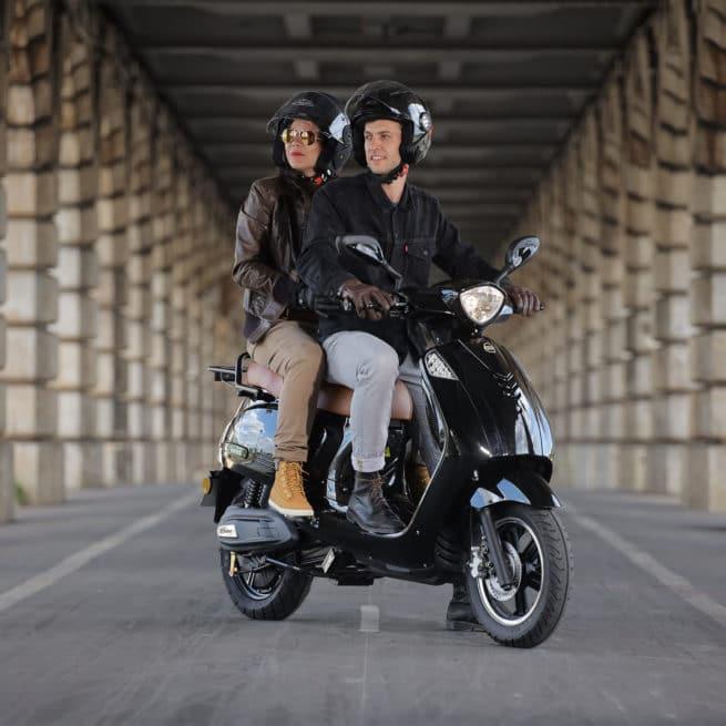 scooter-electrique-ksrmotovionis-2personnes