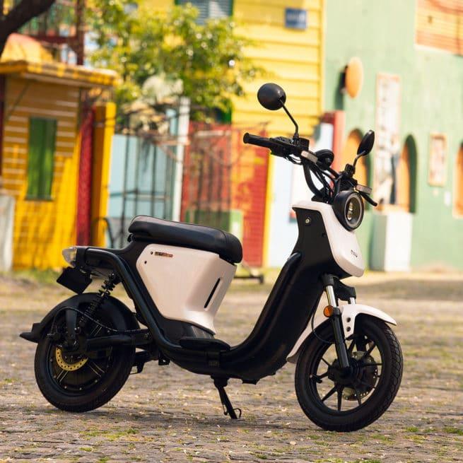 scooter électrique balade sud campagne dimanche week end