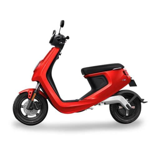 Le scooter électrique Niu M1 Pro Rouge batterie lithium amovible rechargeable à domicile, scooter éligible à la prime écologique dans certaines villes, moins de 2 300 € livraison à domicile, sans permis