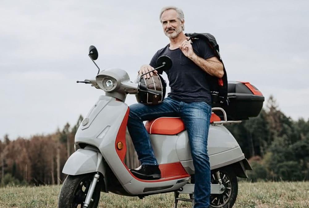 scooter électrique top case