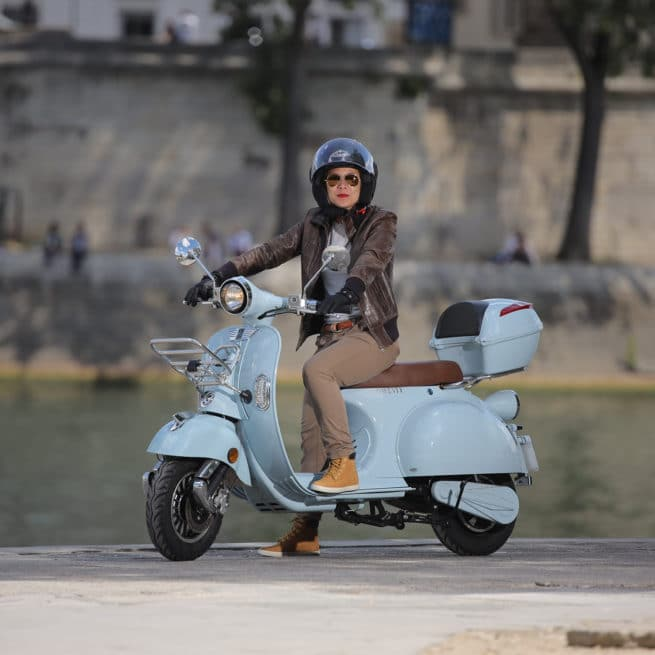 scooter-electrique-2twentyroma-bleu