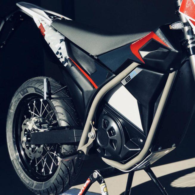etrek9 vue roue arrière et partie cycle