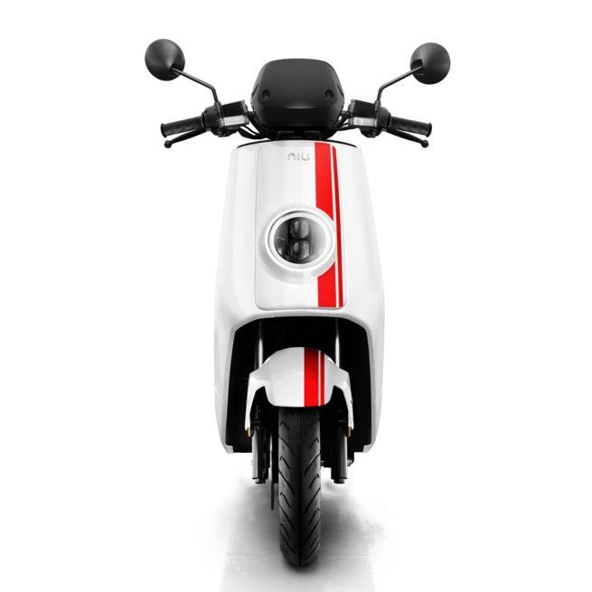 Scooter Electrique 125 NIU NGT Blanc Rouge Avant