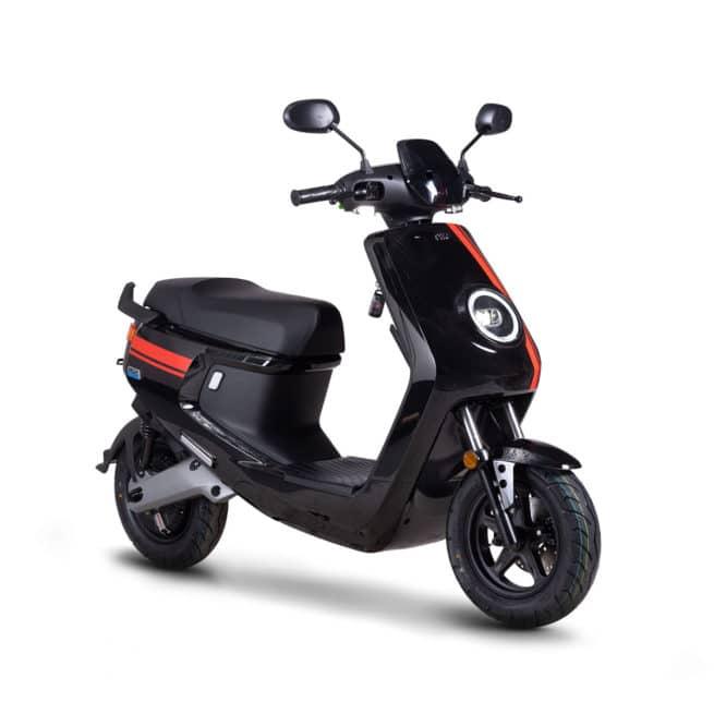 Niu MQI+ Mqi plus sport pro scooter electrique petit grand pieds au sol