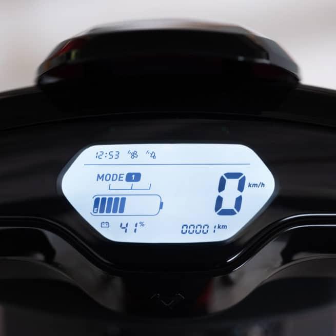Niu MQI+ Mqi plus sport pro scooter electrique économique crit air 0 zéro