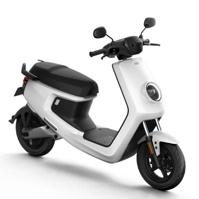 Scooter Electrique NIU M+ blanc avant droite