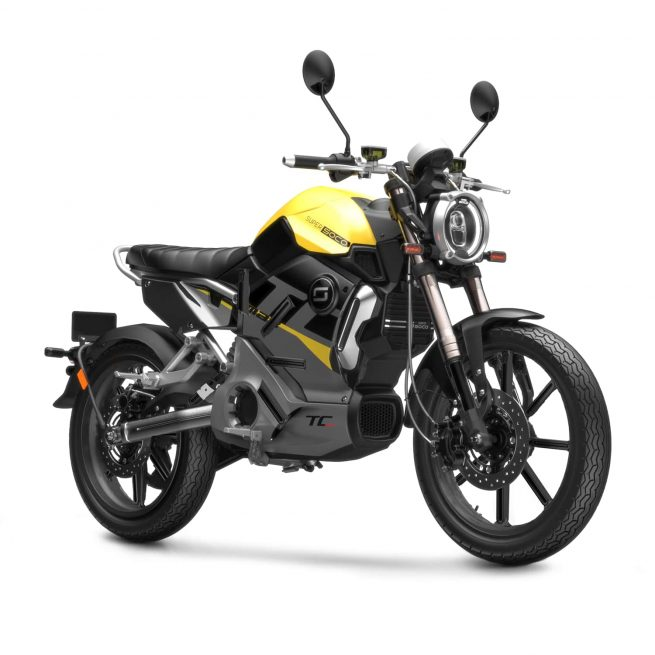 super soco TC MAX noir jaune sur fond blanc
