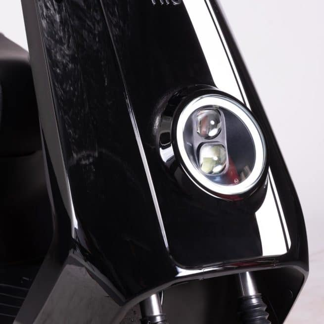Niu NGT NQI GT scooter electrique top case
