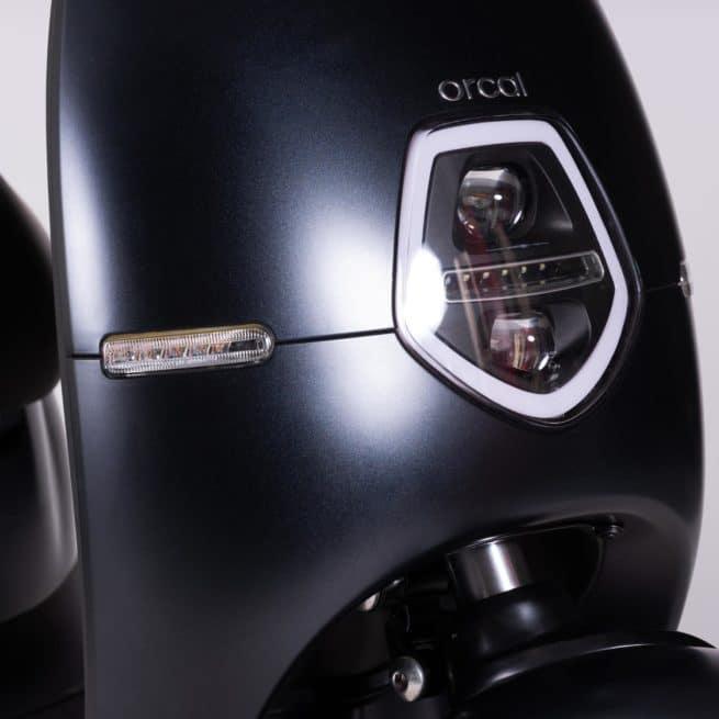 Orcal E1 scooter electrique petit grand pieds au sol