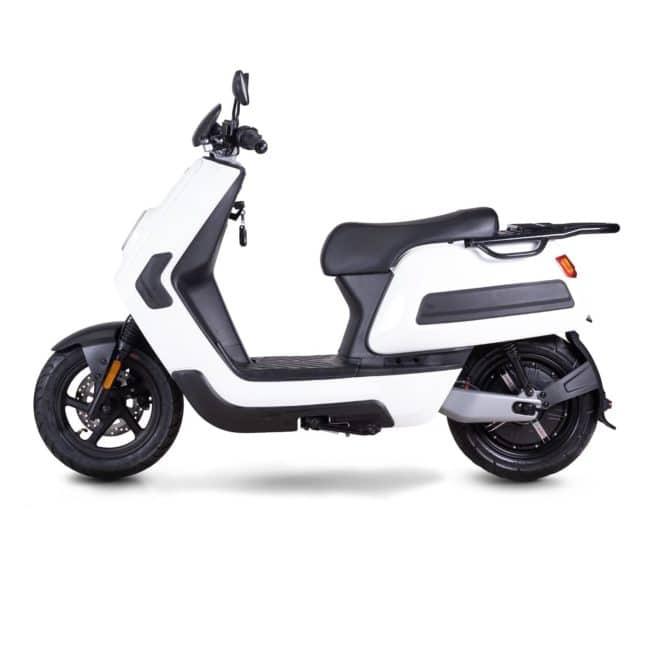 Niu NQI Cargo scooter electrique 50 km d'autonomie grande autonomie livraison paquet pizza