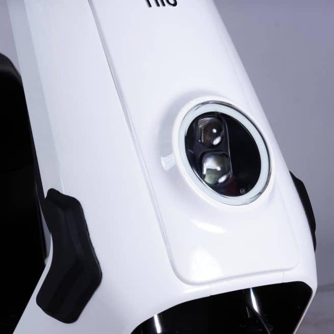 Niu NQI gt Cargo scooter electrique 50 km d'autonomie grande autonomie livraison paquet pizza de nuit