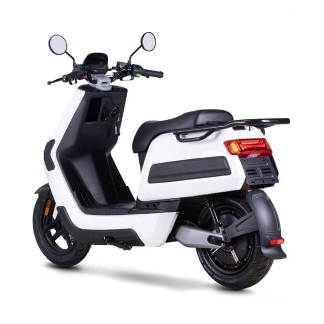 Niu NQI gt Cargo scooter electrique 50 km d'autonomie grande autonomie livraison paquet pizza