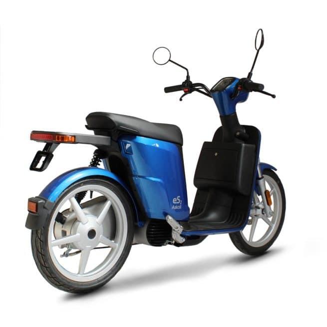 Askoll ES2 scooter electrique jeune femmme homme pratique léger maniable