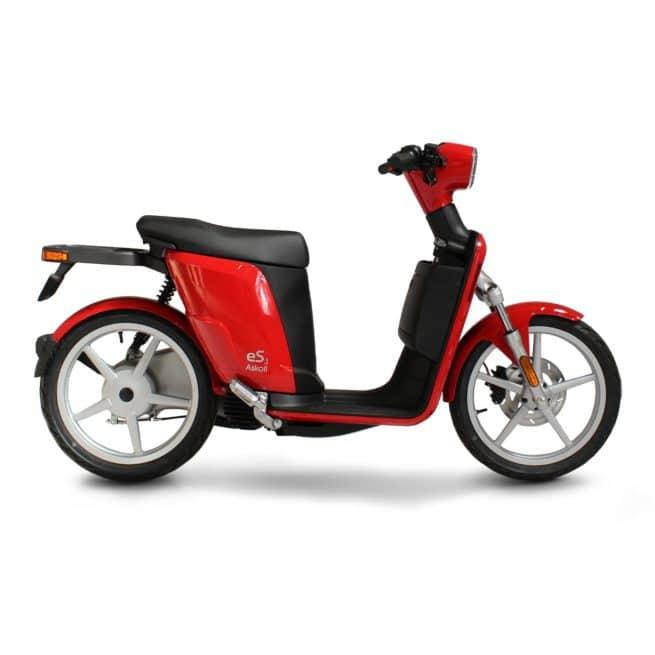 Askoll ES3 scooter electrique jeune femmme homme pratique léger maniable