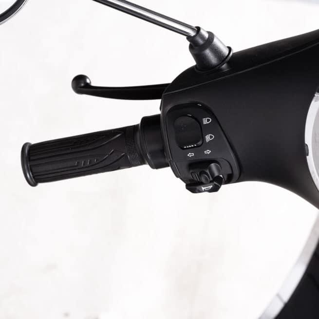 commodo gauche scooter electrique simple utilisation klaxon phares