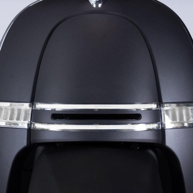 tablier scooter électrique clignotants noir mat