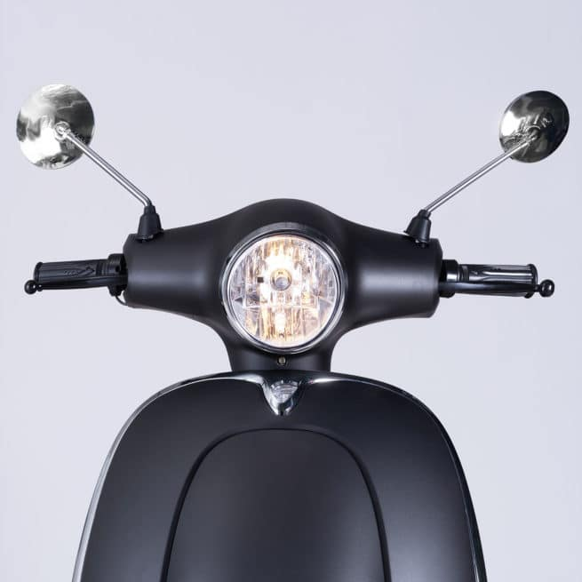 guidon phare scooter électrique moderne