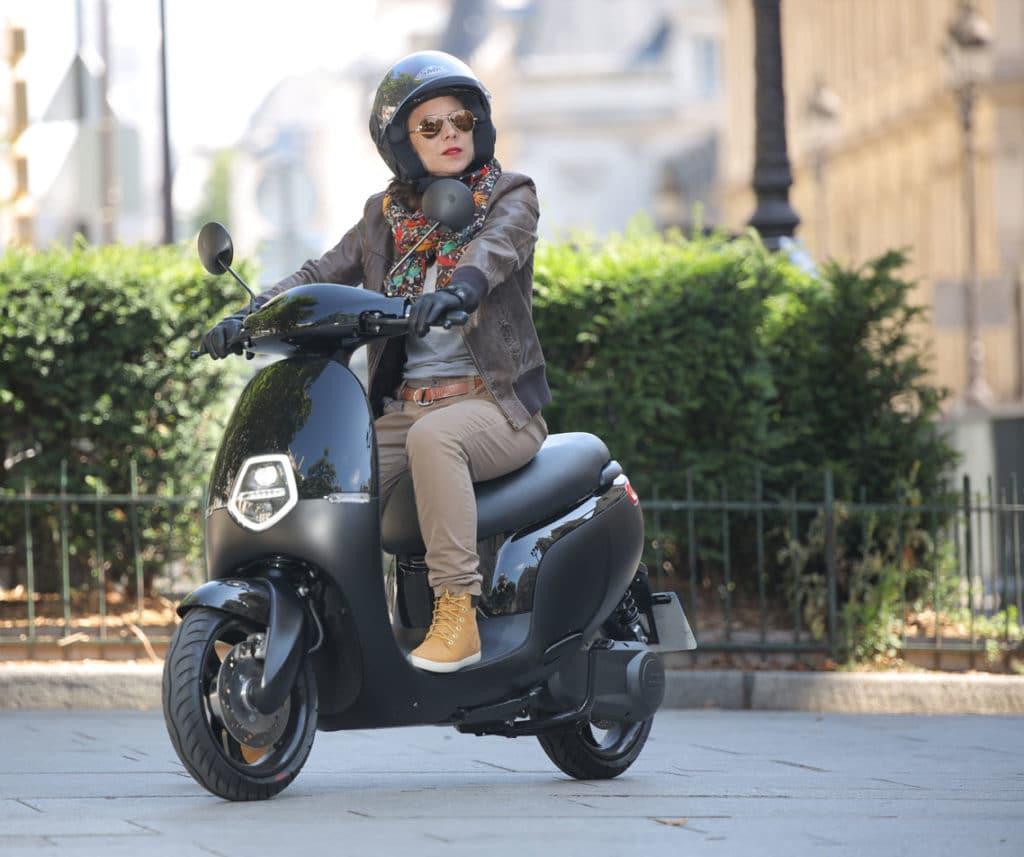 scooter Orcal ecooter e1 noir rue de paris