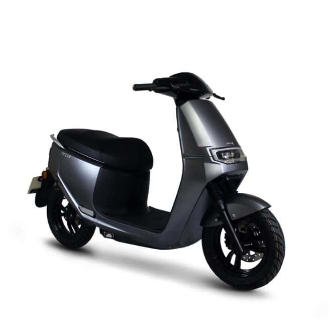 Orcal E2R scooter electrique petit grand pieds au sol