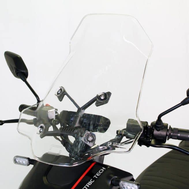 Super Soco CPX scooter electrique jeune femmme homme pratique léger maniable