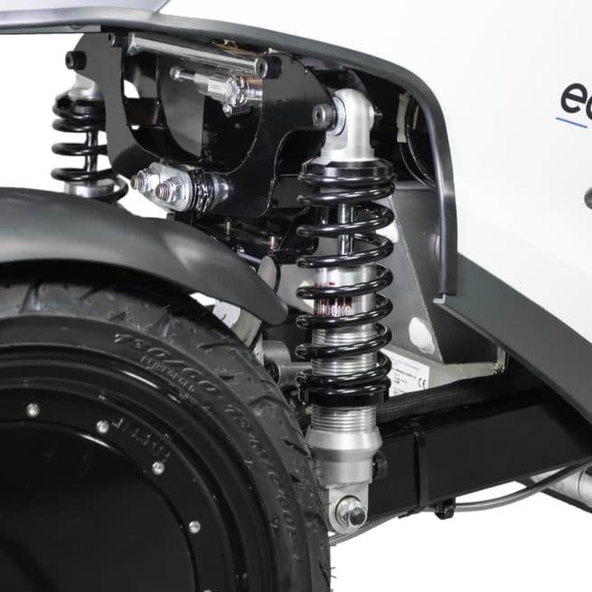 eccity model 3 roues scooter électrique trois roues petit grand pieds au sol