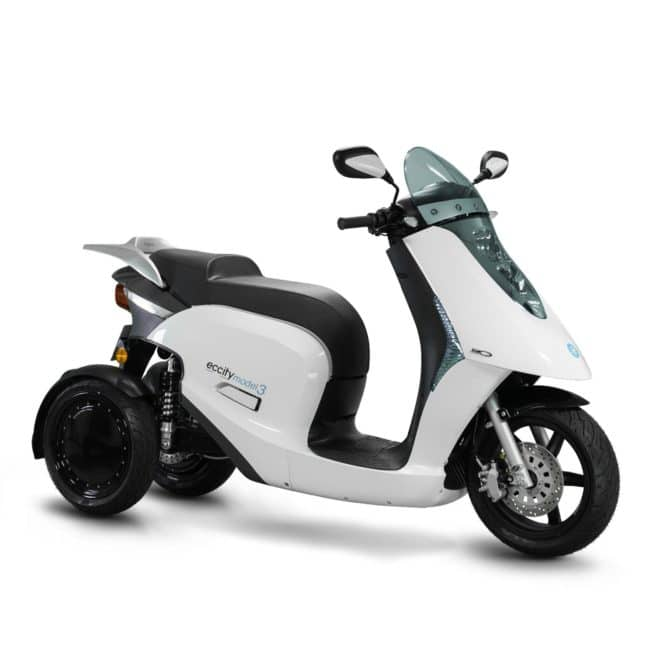 eccity model 3 roues scooter électrique trois roues 125 cm3 permis AM B A1 accessible