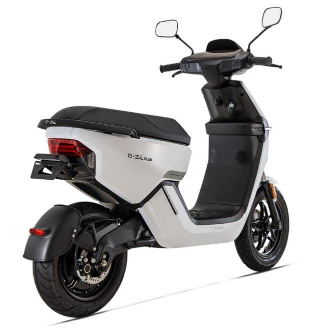 scooter electrique keeway e-zi plus vue arriere