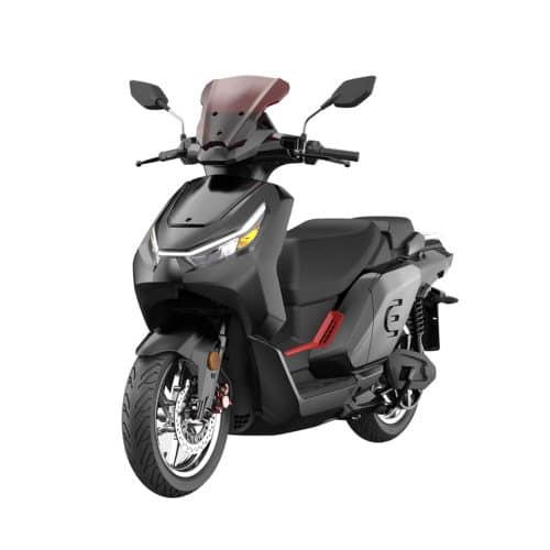 scooter electrique noir avec bulle de protection