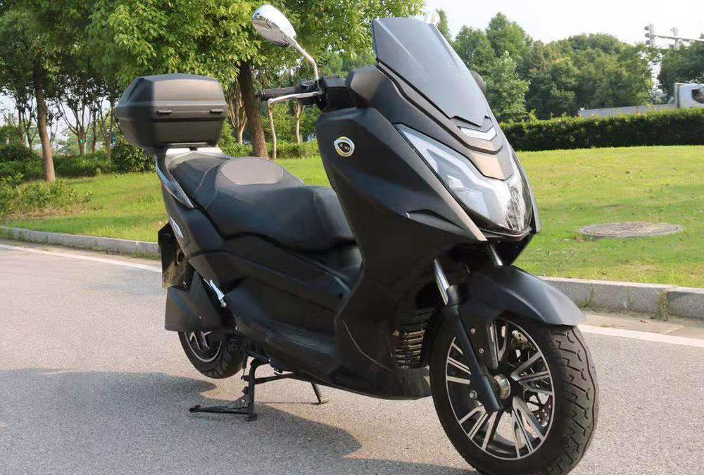 scooter grand tourisme GT electrique occasion grande autonomie