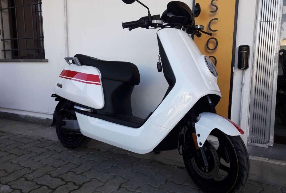 scooter électrique d'occasion grande autonomie peu de kilomètre