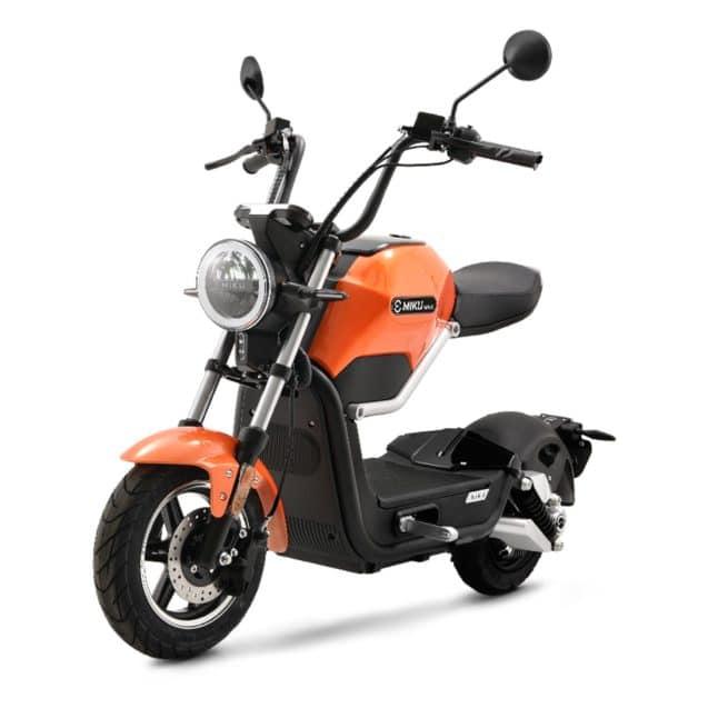 Sunra Miku Max scooter electrique lycée travail emploi fac