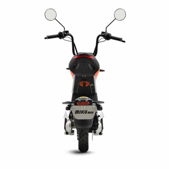 Sunra Miku Max scooter electrique jeune femmme homme pratique