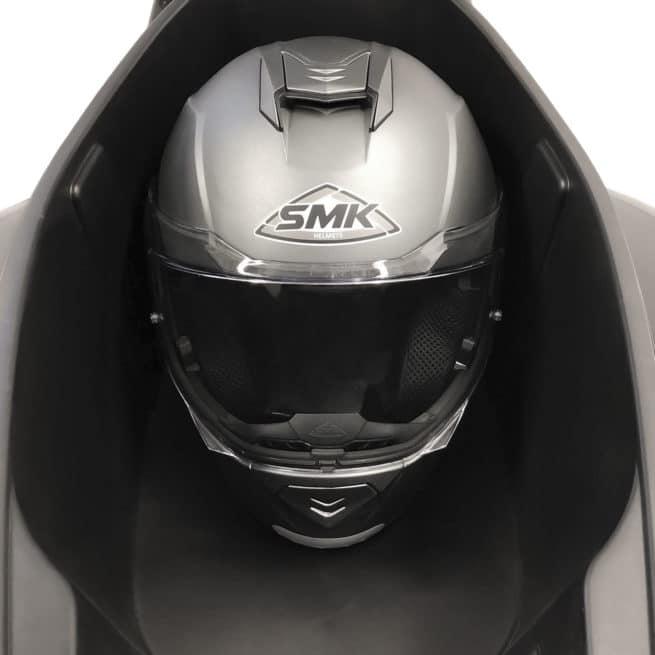 scooter électrique grand coffre deux casques