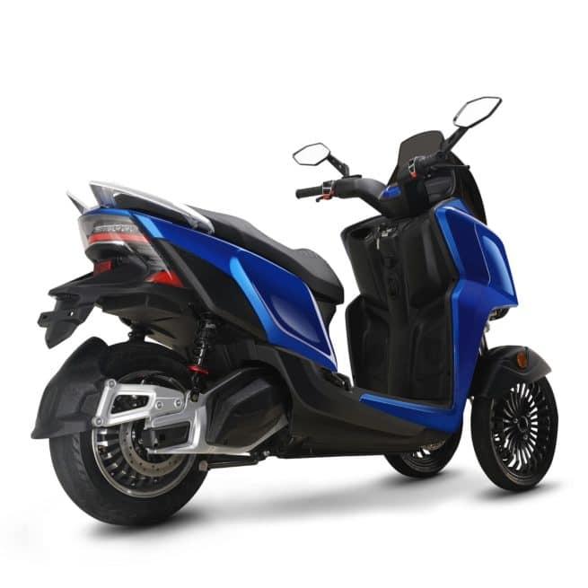 rider 3R 3RS scooter electrique sécurité léger piaggio mp3