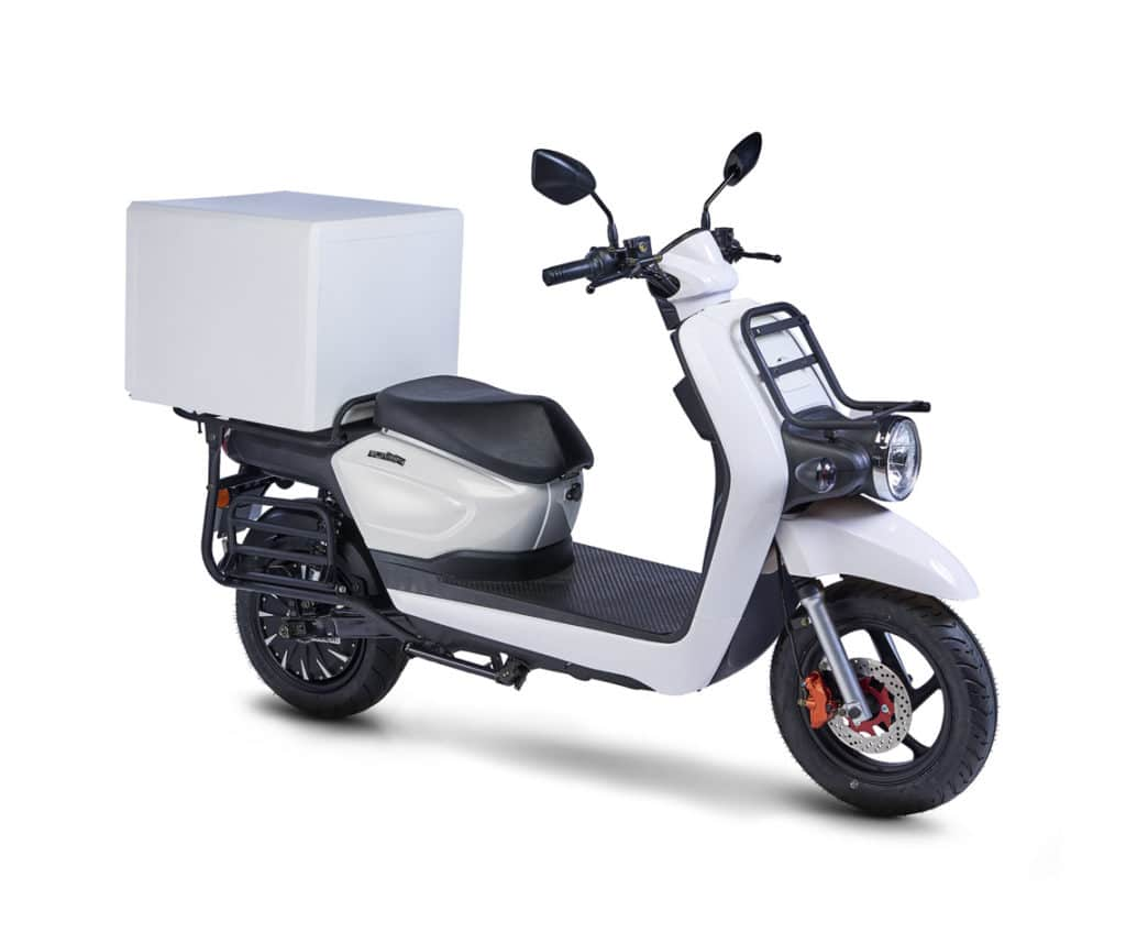 scooter de livraison pare brise saut de vent ville paris bordeaux lille marseille nantes capacité de stockage pizza