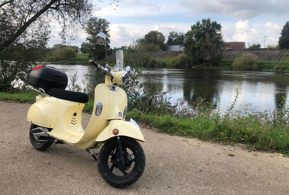 octobre rose scooter électrique chateau de la loire