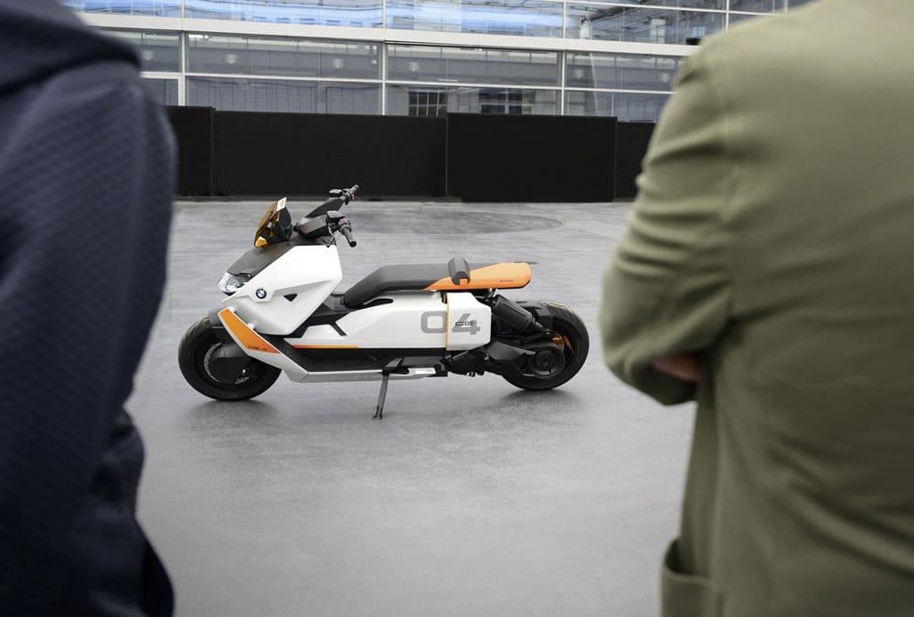 BMW CE 04  scooter électrique concept futuriste