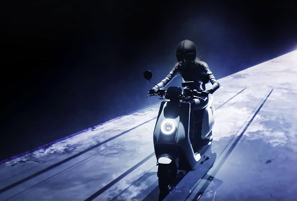 scooter électrique Niu NQi sport blanc