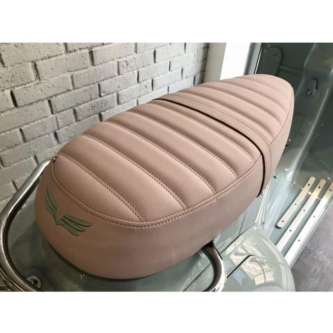 selle premium cuir fabrication française scooter électrique rose