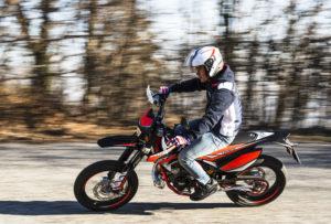 beta rr 50 comparaison moto électrique