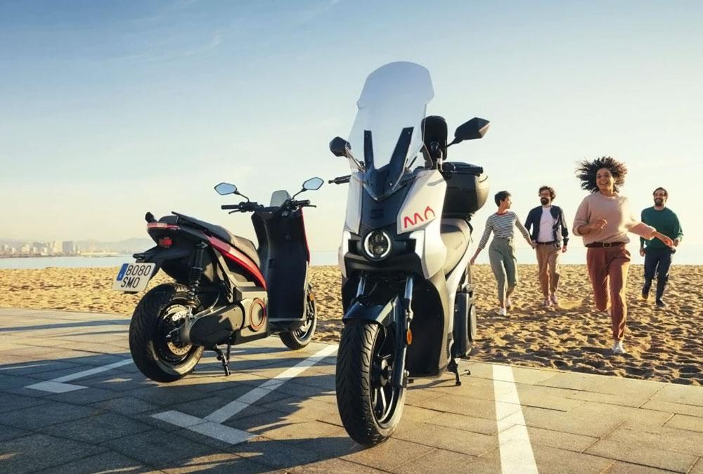 scooter électrique Seat MÓ eScooter plage été juin