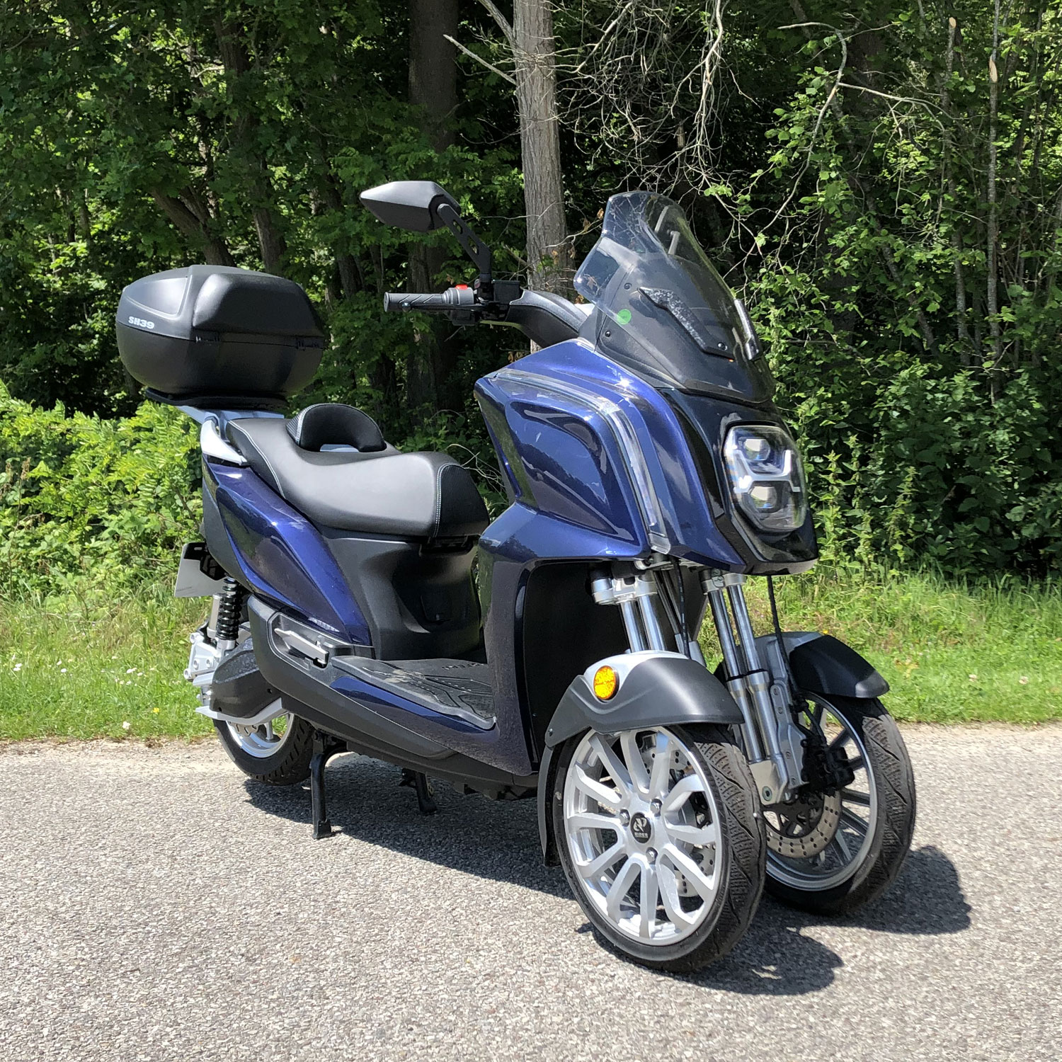 scooter 3 roues bleu foret