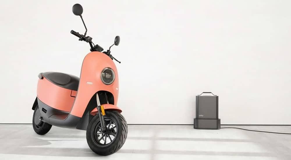Unu scooter chargeur de batterie