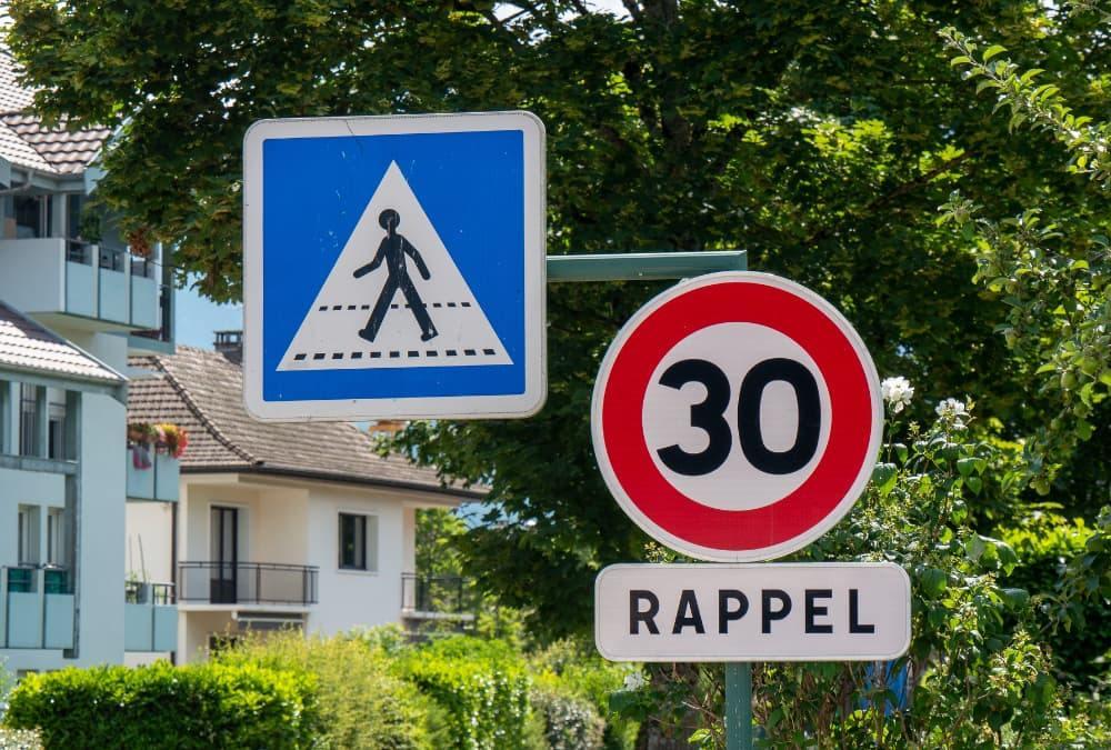 Panneau de limitation de vitesse Paris 30 km/h rappel