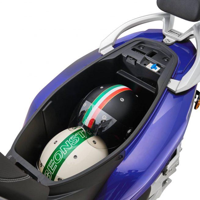 Rider 3RS+ bleu coffre offert avec deux casques